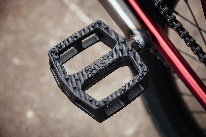 The trusty Safari pedal in black