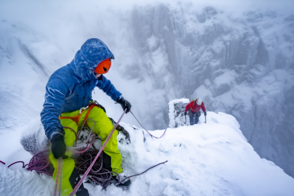 Willis Morris and Mike Pescod climbing Babylon on Ben Nevis