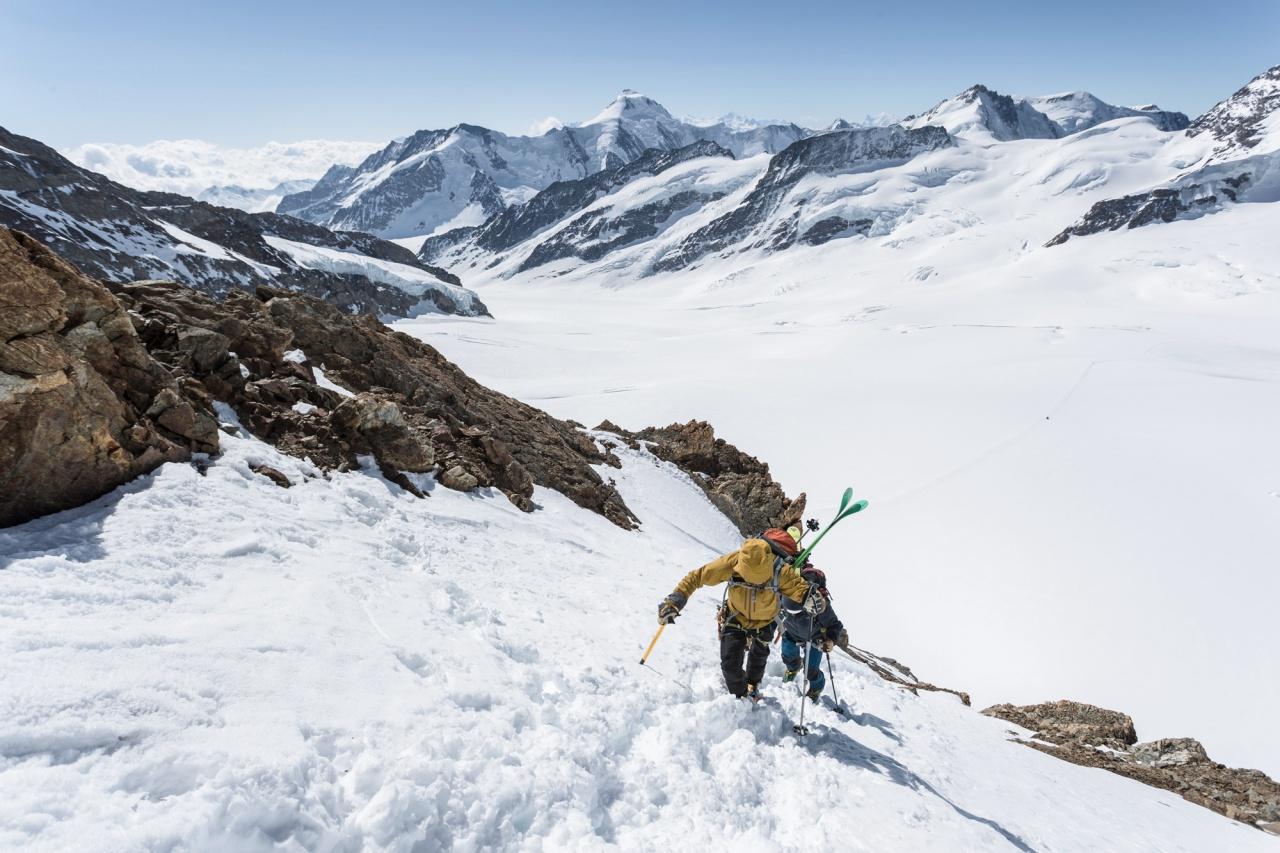 Climbing SE Ridge of Monch