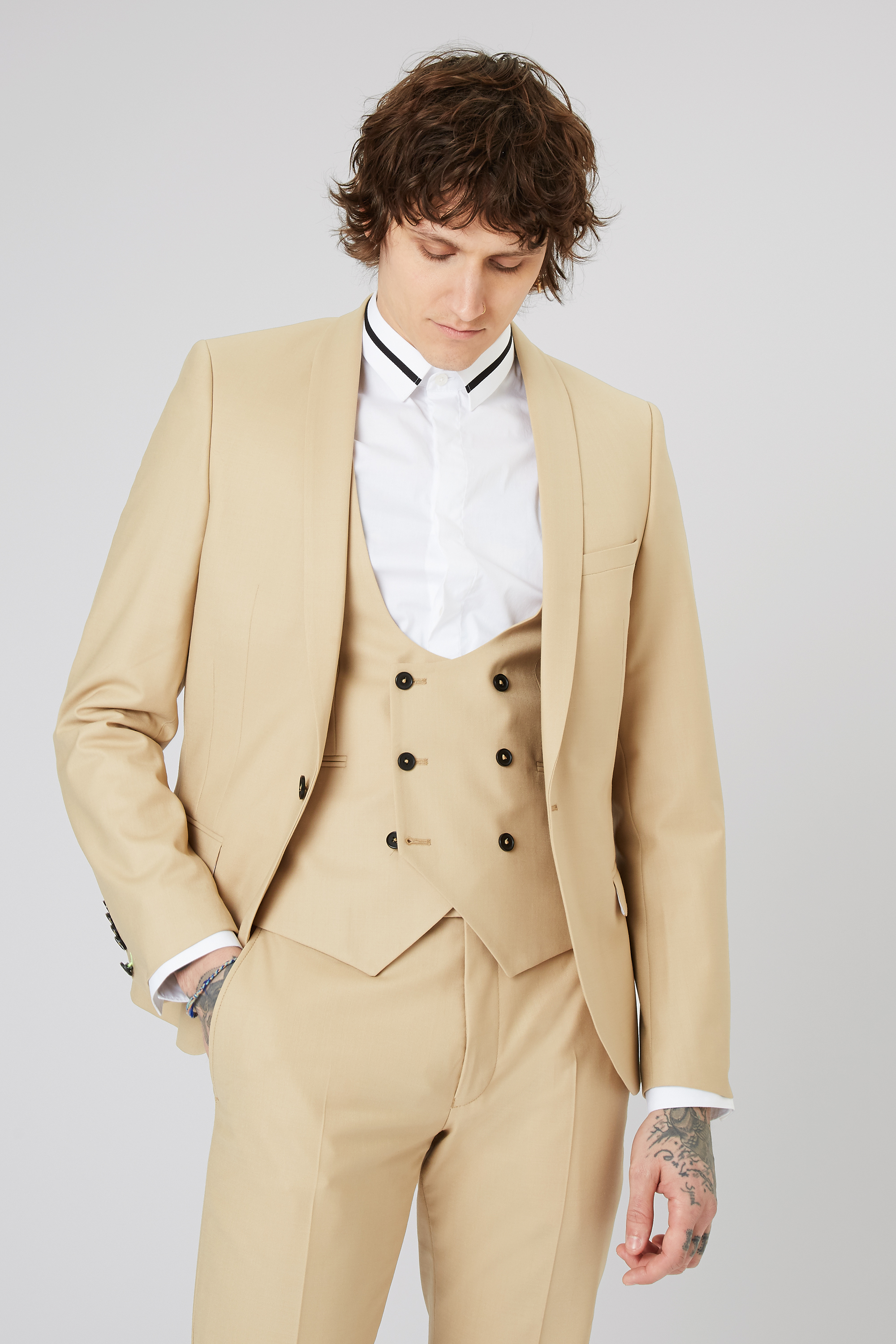 ELLROY SKINNY STRETCH SUIT JACKET IN CHAMPAGNE